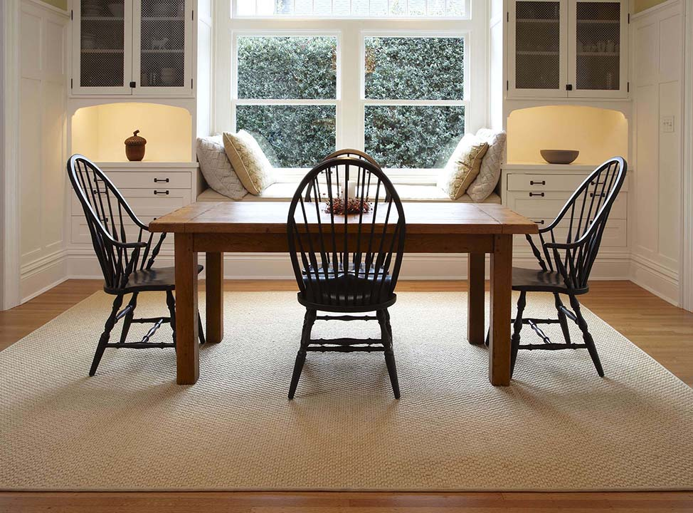 Synthetic Sisal Rugs Under Your Dining, Rug Under Dining Room Table