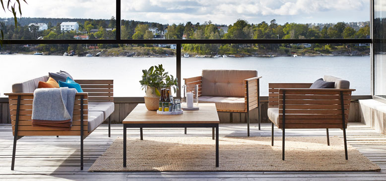 Fiji jute rug adds textures to your  covered patio.