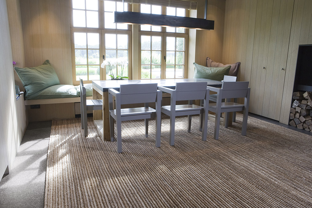 Abaca rugs made from natural plant fibers add a sophisticated look.