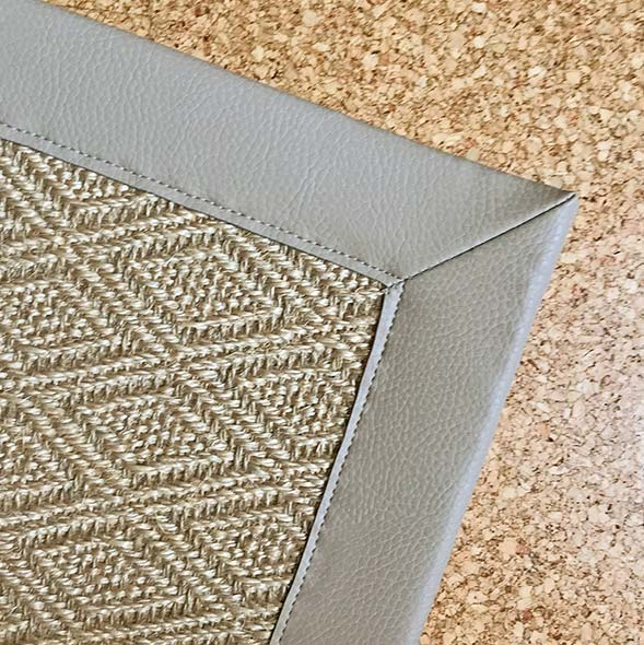 corner close-up: mitered corner with faux leather binding in color divine