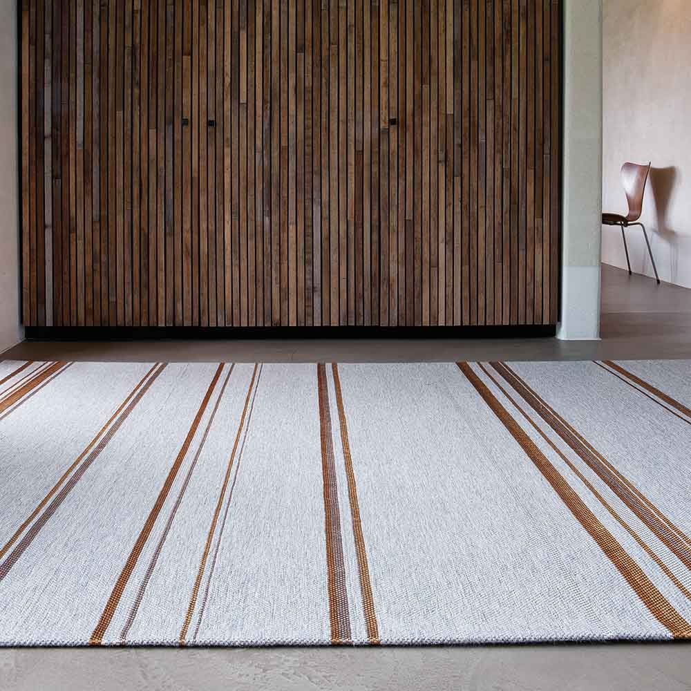 harmonizes well w/ wood: tribu in color goldprint